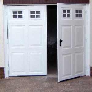 Krídlová garážová brána biela
